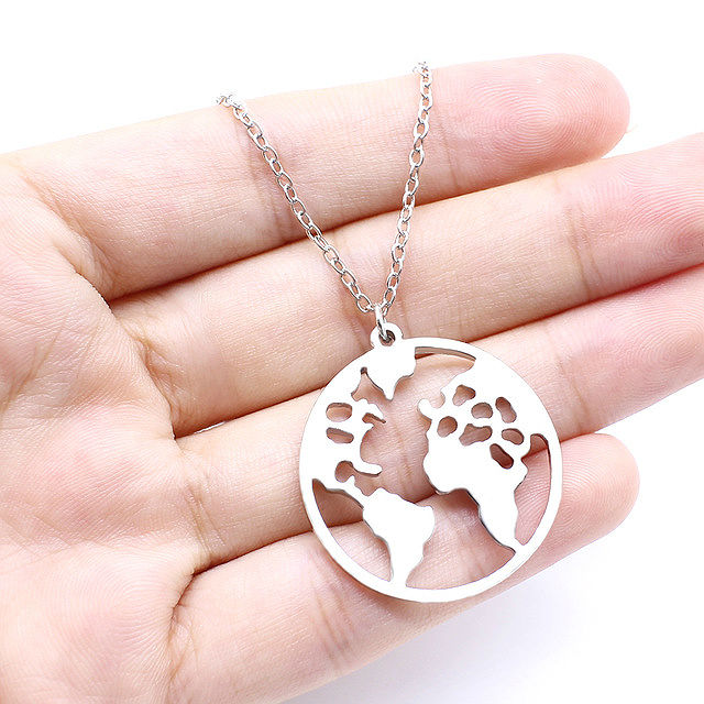 2018-New-World-Map-Pendant-Necklaces-Earth-Day-Wanderlust-Personalized-jewelry-Outdoor-metal-fashion-Necklace-Gift_1