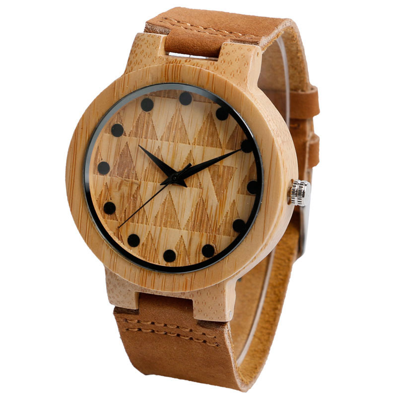 round-engraved-wooden-watch-peak-time-main