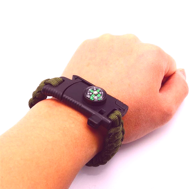 Outdoor-Survival-Bracelet-mainimage